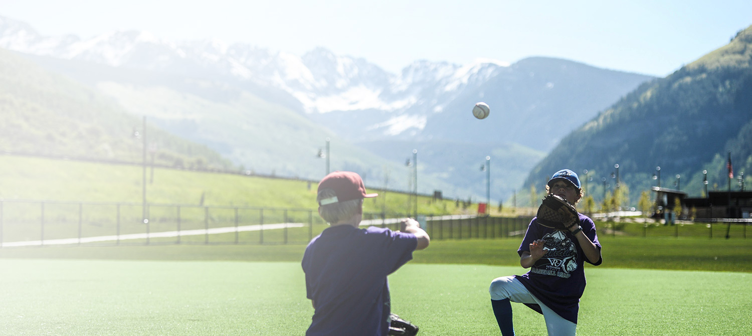 /images/Homepage/summer-camp-baseball.jpg